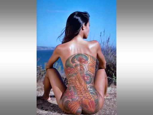 ציורי גוף על נשים