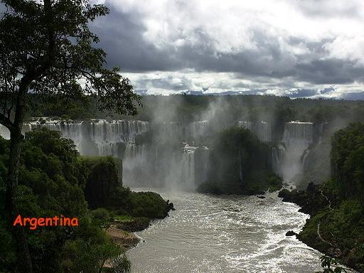 מפלי האיגווסו בין ארגנטינה ברזיל ופראגואי