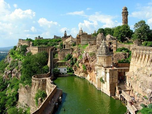מבנים יוצאי דופן בהודו