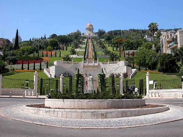 הגנים הבהאים (חלק עליון) וטיילת לואי בחיפה