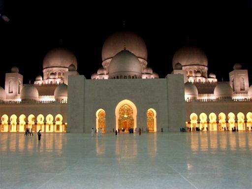 המסגד הגדול באבו דבי