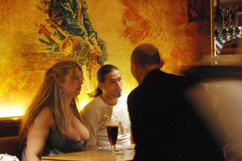 רומנטיקה וסקס בפריז