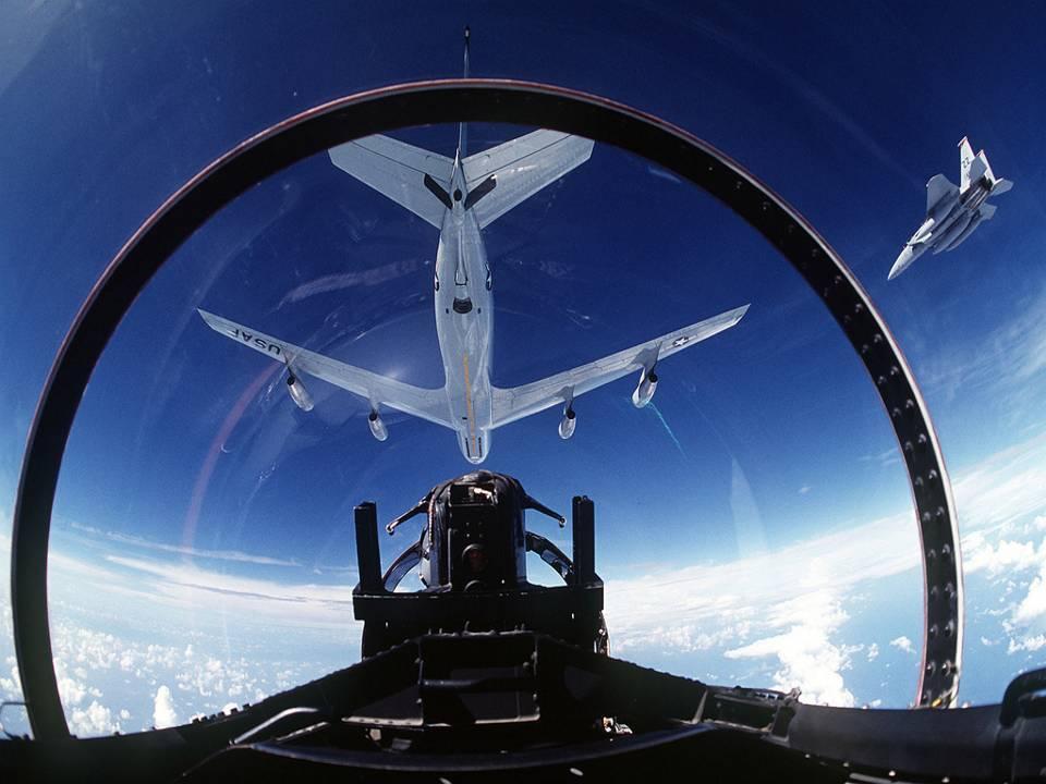 תא הטייס מכל מיני מטוסים - מצגת יפה מאוד .