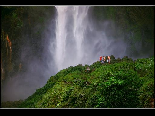 אינדונזיה תמונות מרהיבות של תרבות, טבע ואתגר