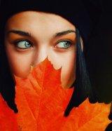 אשה בסתיו