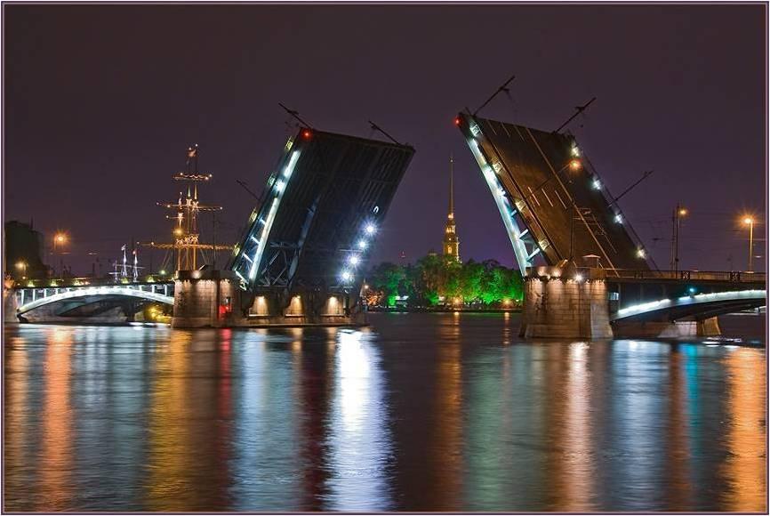 סנקט פטרבורג בלילה