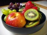 אכילת פירות על בטן ריקה ---מצילה חיים---שווה לקרוא ולהנות