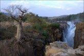סביבת מפלי Epupa ונהר Kunene