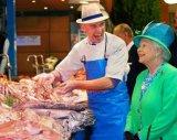 ביקור היסטורי: המלכה באירלנד