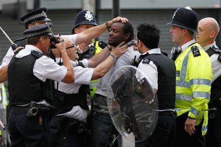פרעות ומהומות באנגליה