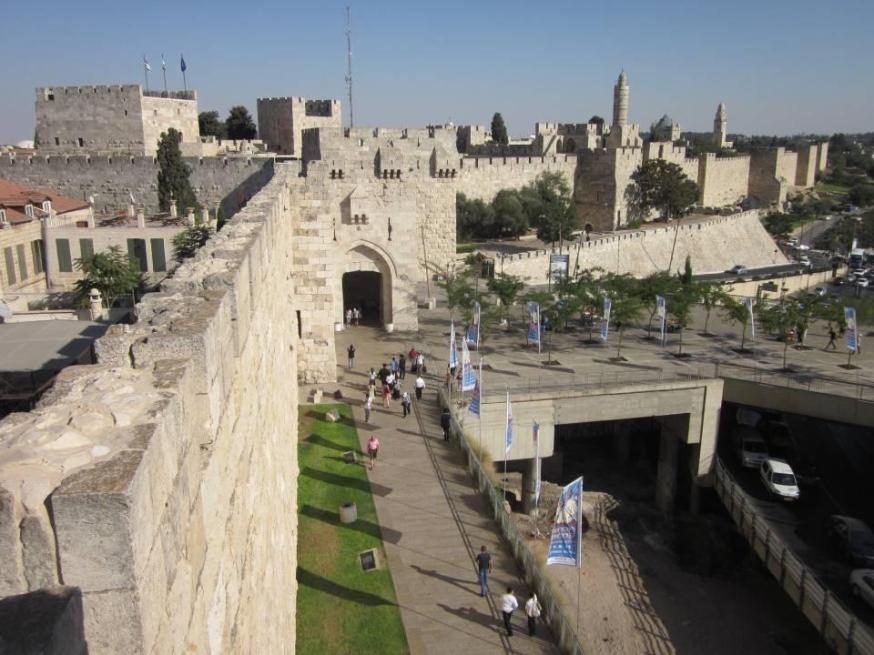 טיול על חומות העיר העתיקה משער יפו לשער האריות