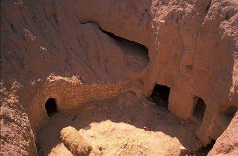 אנשי המערות בטוניס?