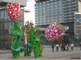 פסלים צבעוניים