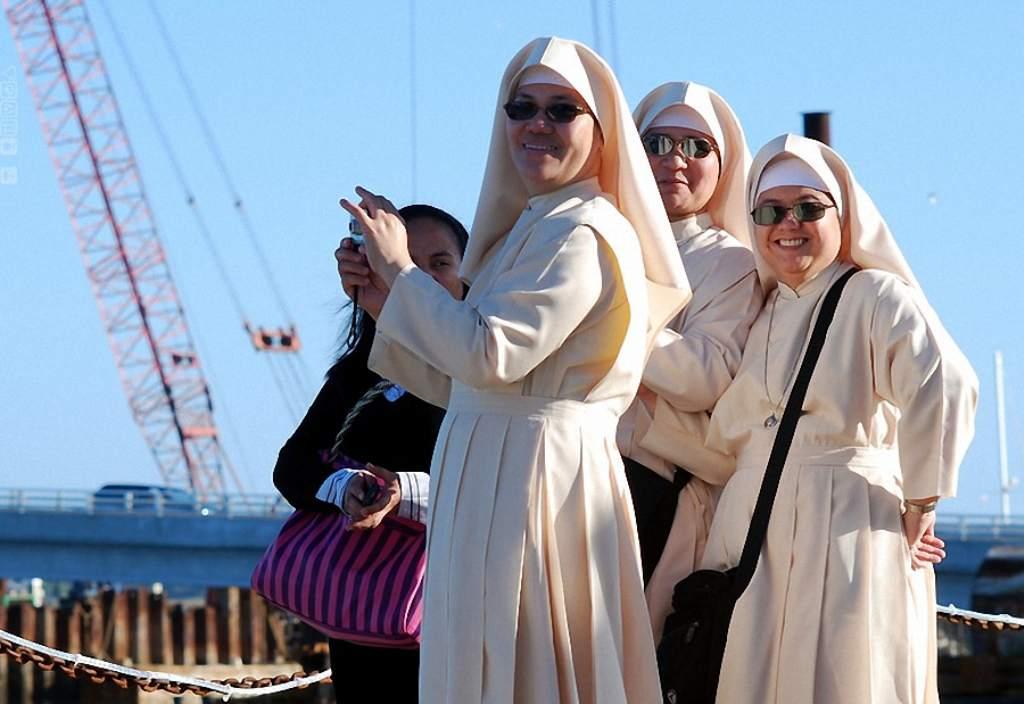נזירות מצחיקות