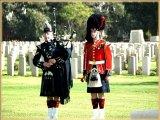 טקס בבתי הקברות הבריטיים בארץ ישראל