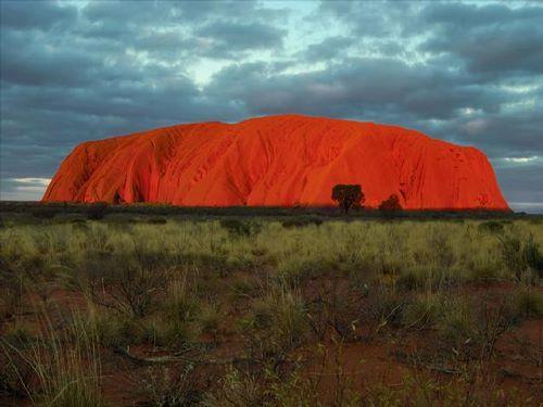 אולורו - ליבה המדהים של אוסטרליה