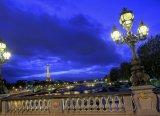 לילה קסום ברחובות פריז