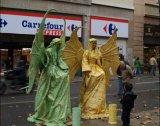 פסלים אנושיים בברצלונה