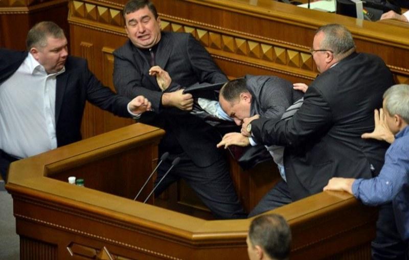התקוטטות בין פוליטיקאים